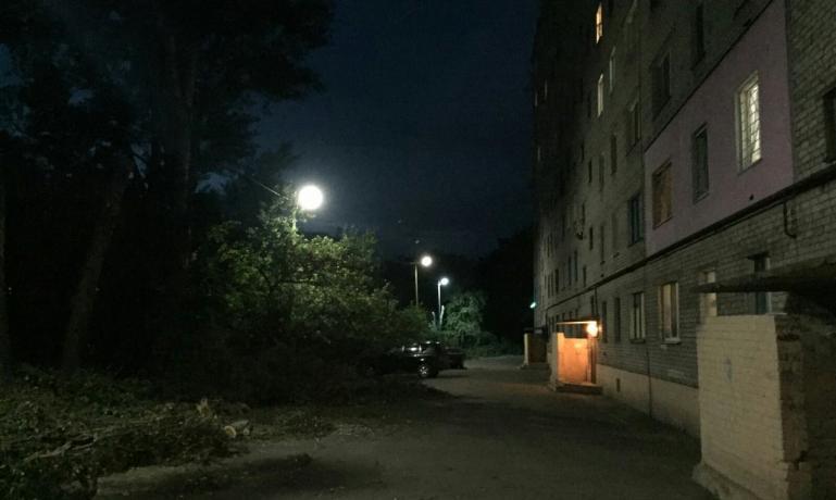 За счет субвенции Кабмина запорожские дворы получили освещение