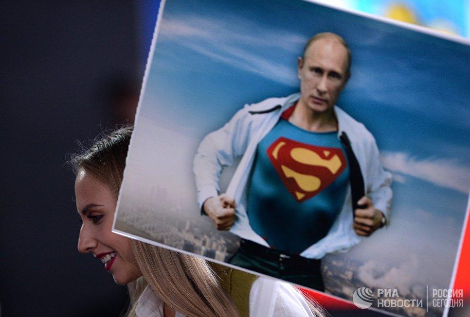 Поліція Росії зобов'язана цілодобово охороняти плакати з зображенням Путіна
