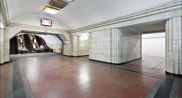 Київське метро пропонує Маску розмістити Tesla на станції «Арсенальна»