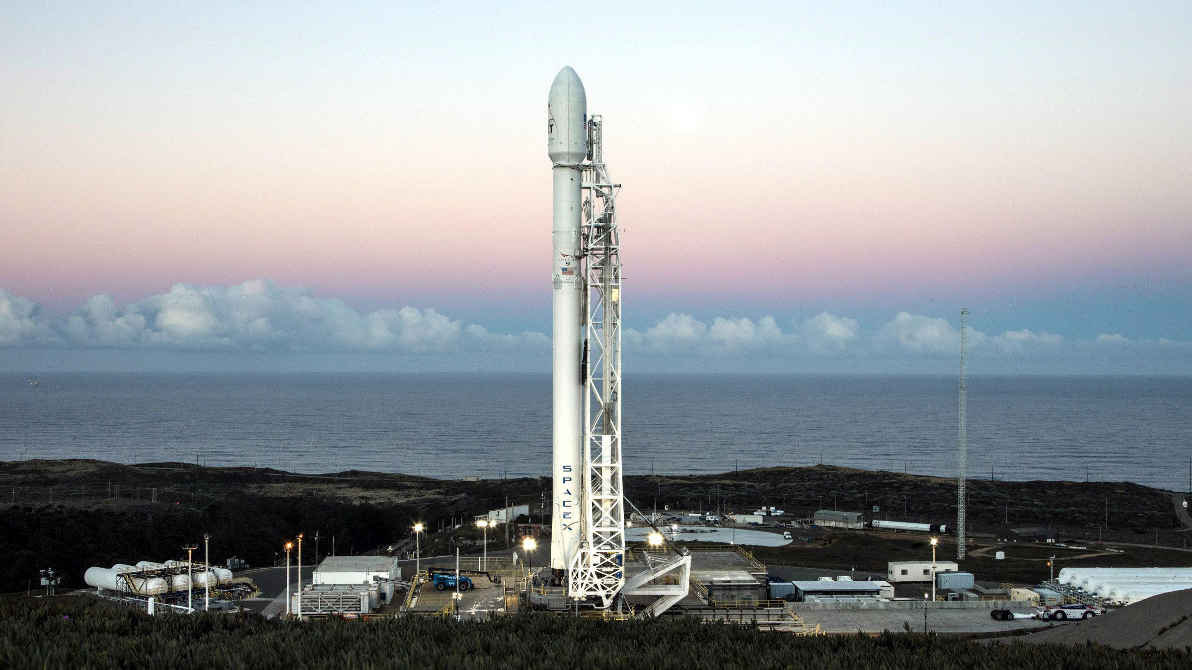 SpaceX запустить перші супутники для покриття інтернетом усієї поверхні Землі