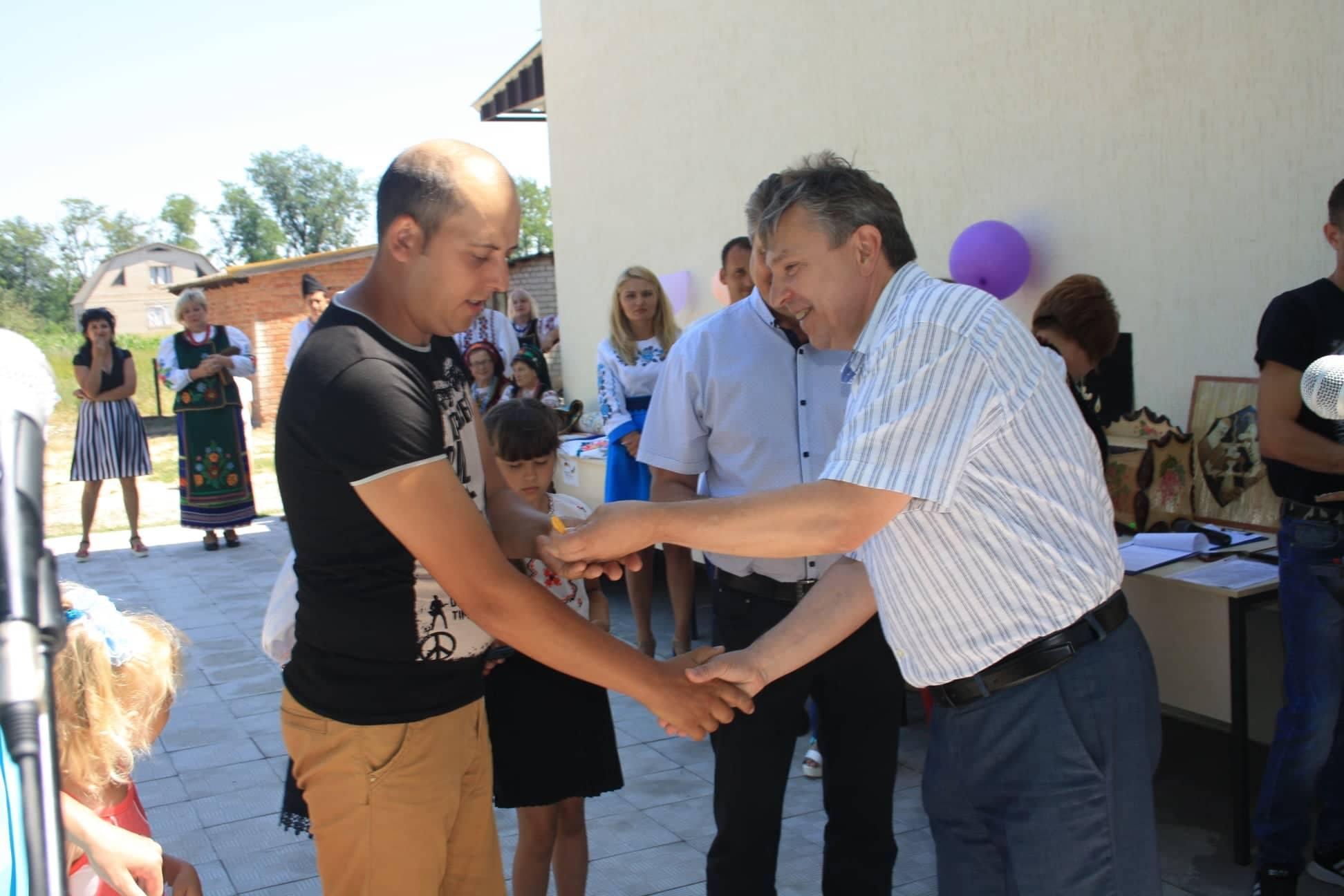 Голова Комиш- Зорянської ОТГ розказав про соціальне житло, яке нещодавно відкрили для переселенців
