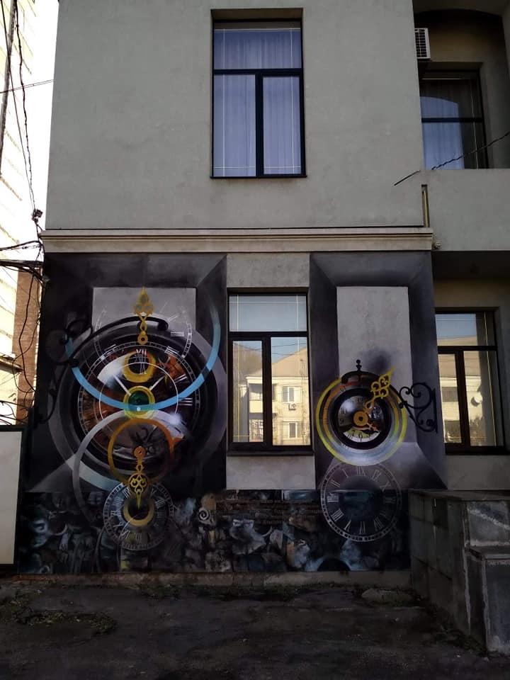 Будинок у Запоріжжі  прикрасив дуже цікавий  мурал – фото