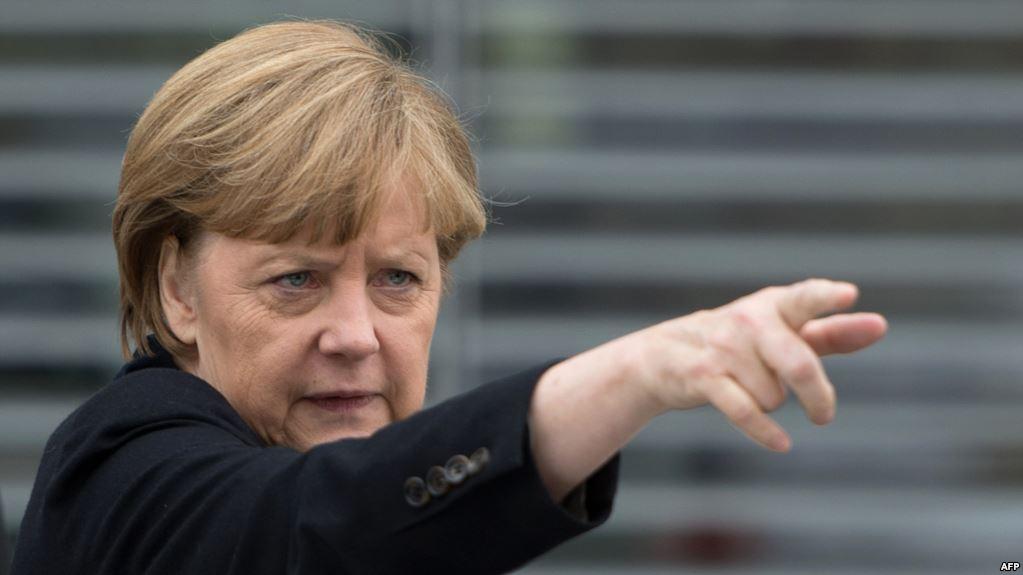 Меркель публічно заявила, що підтримує санкції проти Росії