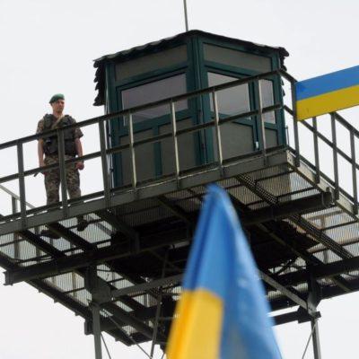 Російським чоловікам заборонили в'їзд на територію України