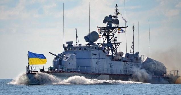 Поранено 6 українських військових, захоплені катери буксирують