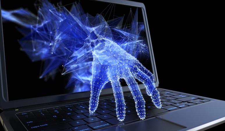 Хакери зламали сторінки Facebook тисячі українцям, оприлюднені навіть особисті переписки