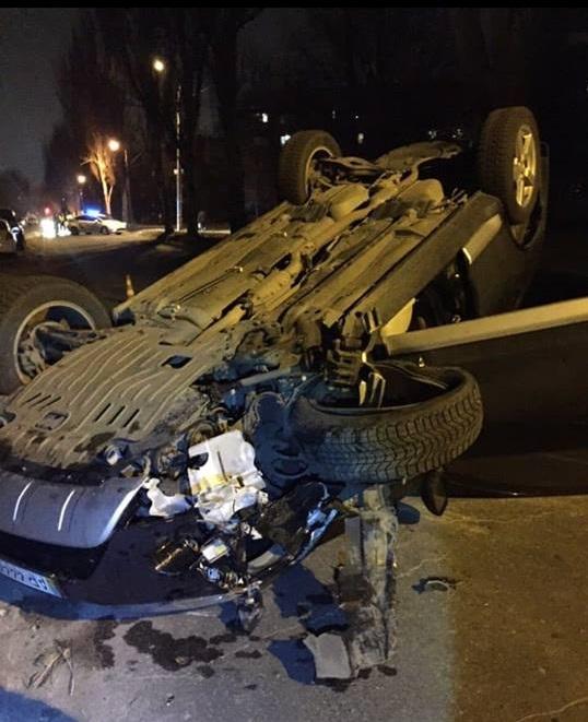 Автомобіль, що вчора перекинувся у Запоріжжі, задекларований у міського посадовця