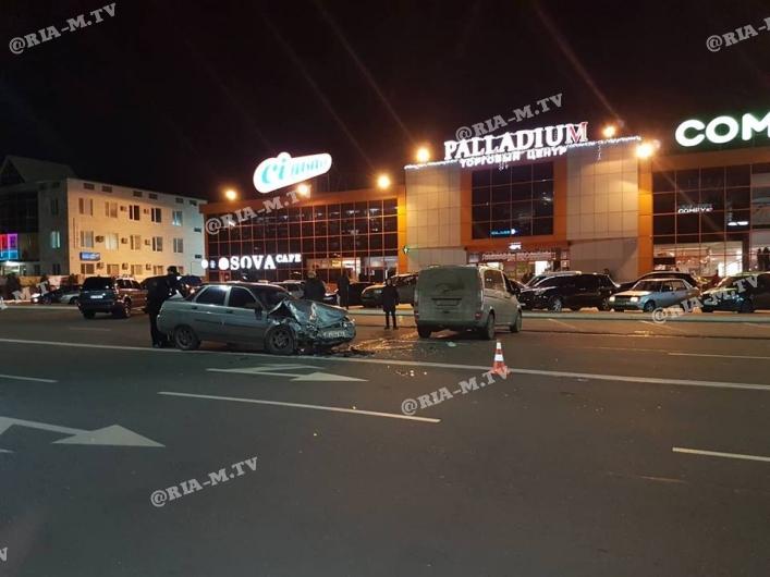 ДТП у центрі Мелітополя, машини перетворилися на гору металу