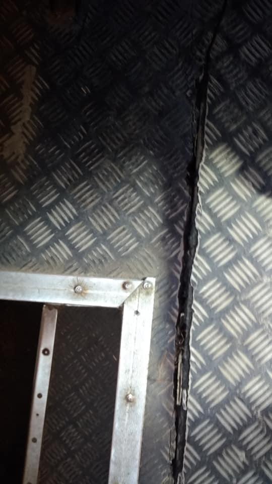 Запоріжець зробив фото з маршрутки, яка ось-ось розколеться навпіл – фото