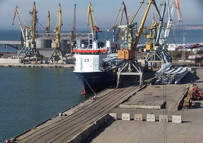В порту Бердянск построят склад для хранения удобрений, но откажутся от покупки автопогрузчиков