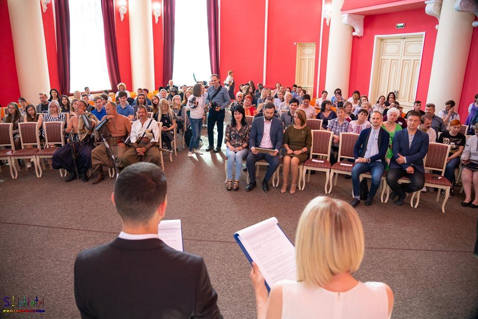 У Запоріжжі нагородили найкращих благодійників «Янголами добра» – фото