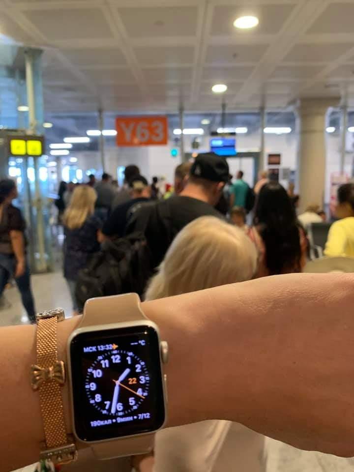 Пасажири рейсу Барселона-Запоріжжя 7 годин не можуть покинути меж іспанського аеропорту