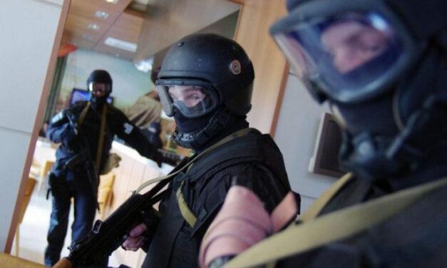 Під час нічних обшуків поліція затримала небезпечну банду