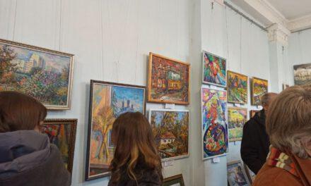 """У місті зараз відкрита виставка """"Запорізький вернісаж 2020"""""""