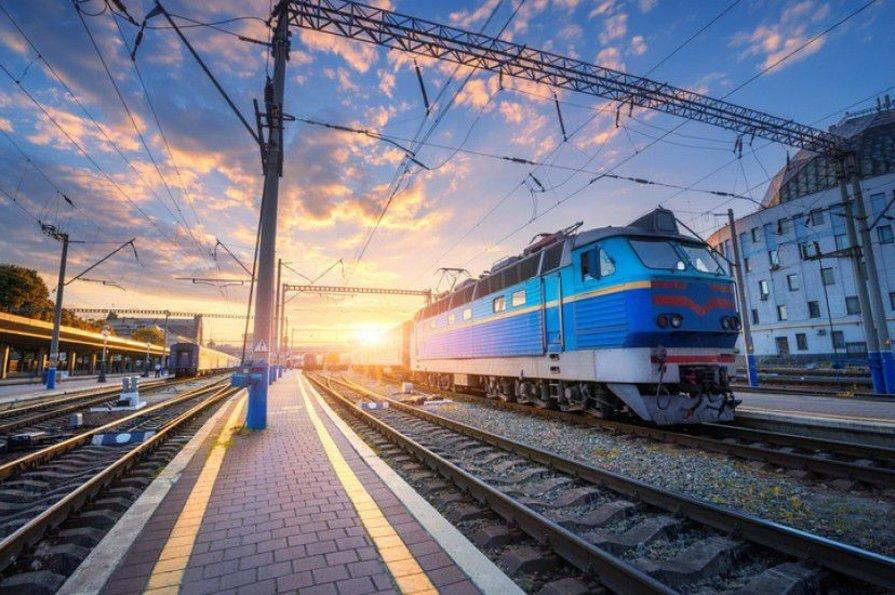 """Куди українці найчастіше їздять потягами – подивись рейтинг від """"Укрзалізниці"""""""