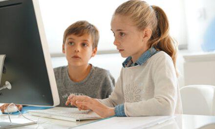 В Україні уроки для школярів транслюватимуть по ТБ – де і коли дивитися