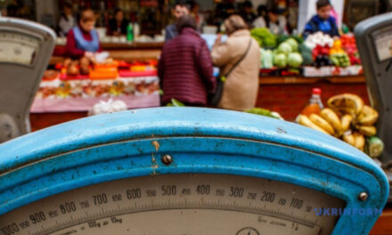 На Запоріжжі запрацювали ринки, продавці готуються встановити екрани на вимогу МОЗ