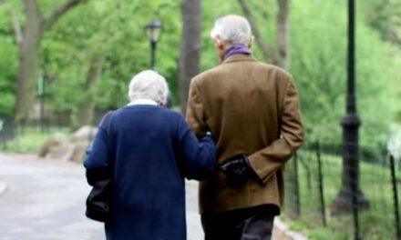 Запорізьким пенсіонерам планують у квітні зробити доплату – кому та на скільки