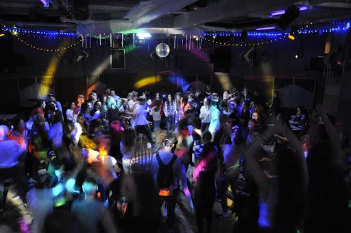В одному з нічних клубів Запоріжжя помер молодий юнак