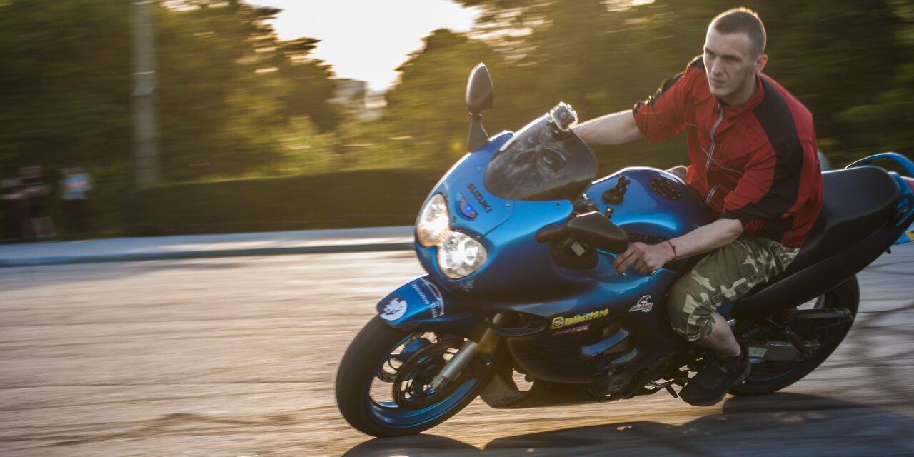 Смертельна ДТП у Запоріжжі: водію мотоцикла не кажуть про смерть його дівчини