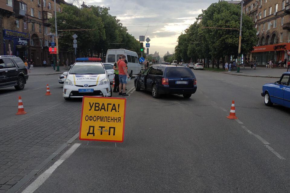 Трапилася чергова ДТП з маршруткою у центрі Запоріжжя