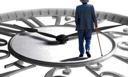 В Україні знову підвищують пенсійний вік та поставлять умови по стажу