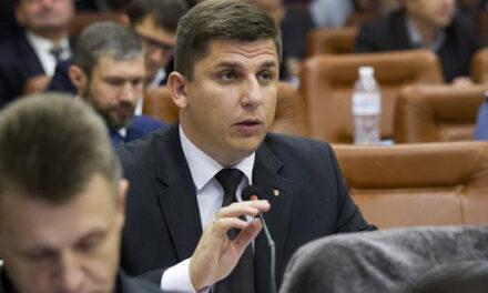 Депутат Запорізької міської ради схоже віддає кошти зі свого фонду тещі свого помічника