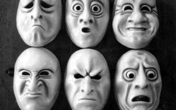 Пандемія COVID-19 та масові маніпуляції людьми: так легко не було ніколи