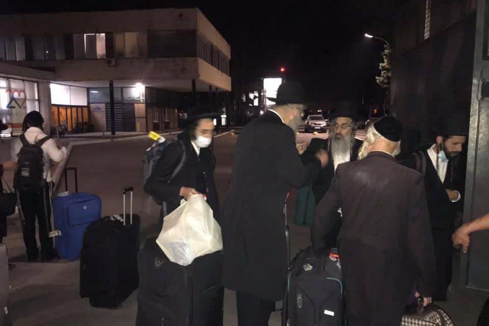В аеропорту Запоріжжя зупинили прочан Хасидів, які прямували до Умані