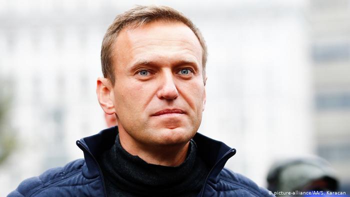 Навального підключили до апарату ШВЛ, він у комі
