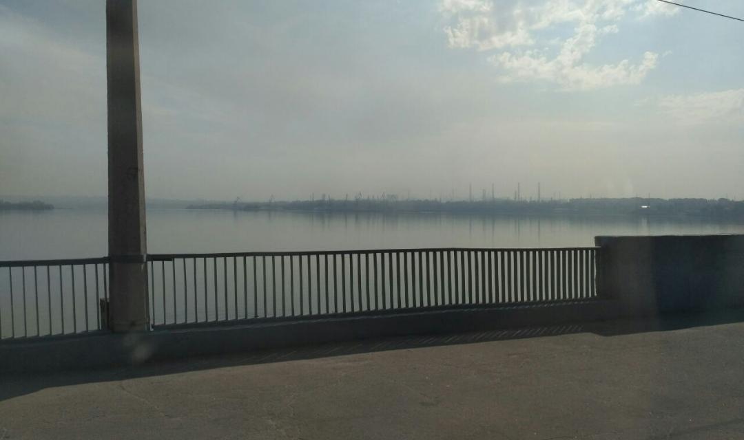 Заводи у Запоріжжі активно викидають в атмосферу те, що не могли коли в місті був Зеленський