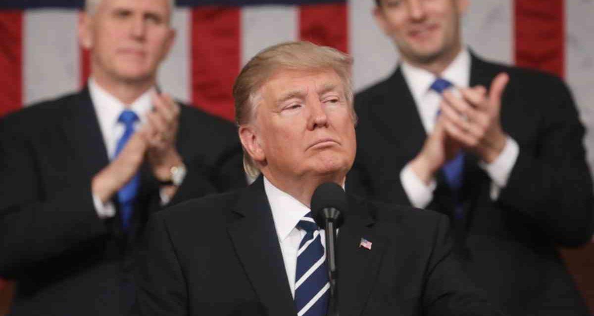 Адміністрація Трампа надіслала низку листів українським посадовцям із звинувачення ВР у брехні