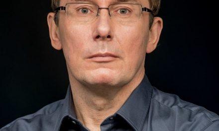 Юрій Луценко повідомив, що має онкологію і лікується