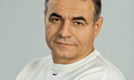 Запорізький депутат розмістив привітання з Днем знань з російським триколором