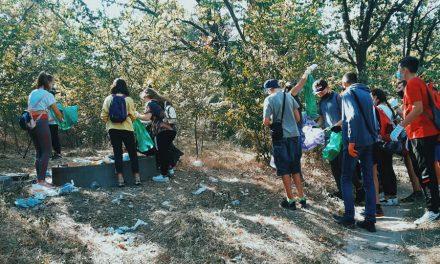 Школярі у Запоріжжі долучилися до всесвітньої акції «World Cleanup Day»