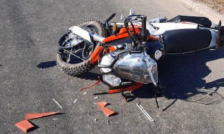 У Запоріжжі мотоцикліст на швидкості влетів у автомобіль