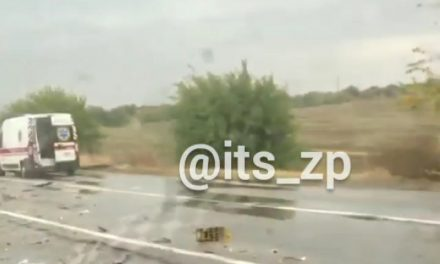 Серйозна аварія поблизу Запоріжжя, фура розбита вщент – відео