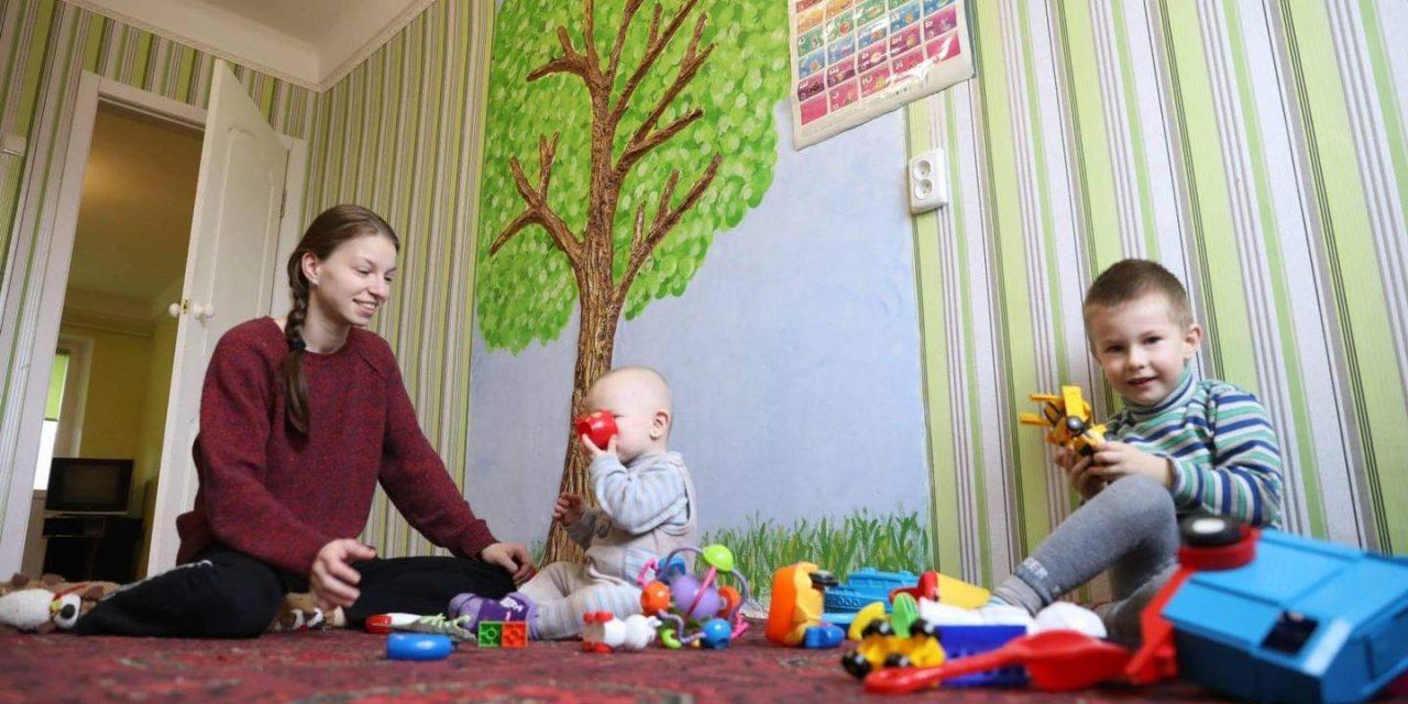 До Нового року мешканці Запоріжжя подарували молодій мамі квартиру