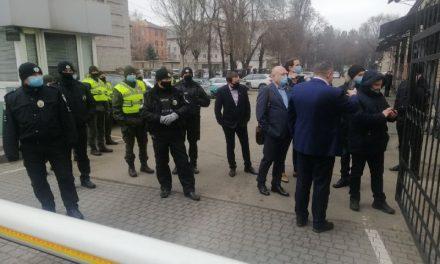 Сесія міської ради в Запоріжжі розпочалася з конфліктів