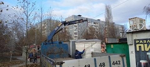 У Запоріжжі демонтували два МАФи без власників – фото