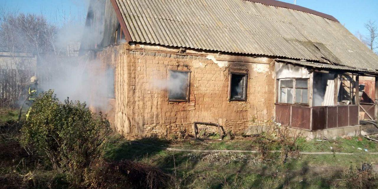 На Запоріжжі під час пожежі травмувалася молода жінка – фото