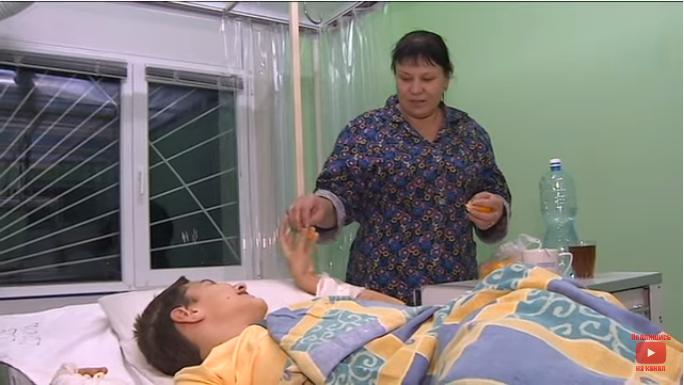 Стало відомо, як себе почуває 12-річний мешканець Бердянська, який ледь не згорів живцем – відео