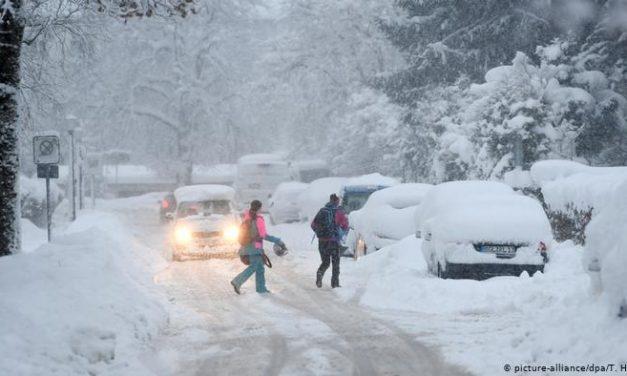 На Запоріжжі обіцяють сніг, покривом до 15 см.